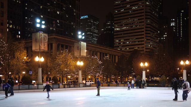 Millennium park skating 1129-1