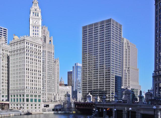 Sunny Chicago river
