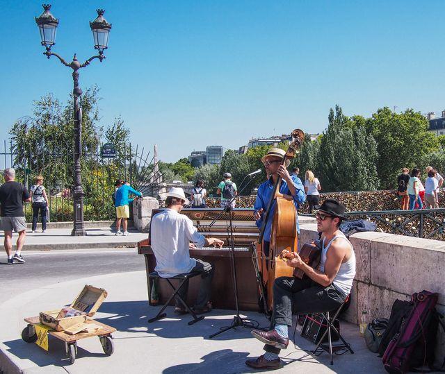 Paris Tuesday-3