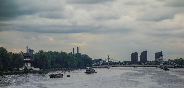 Grey Thames