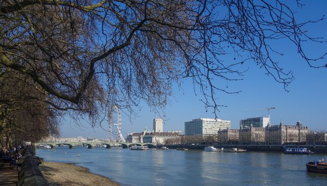 Thames and Eye