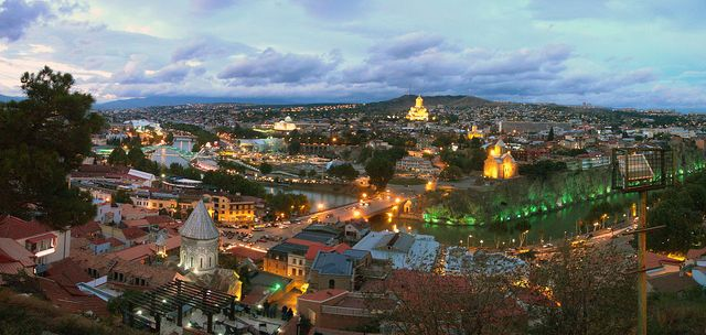 1280px-Tbilisi_sunset-6
